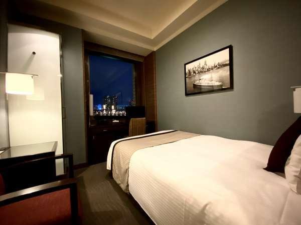 【スタンダードシングル】14平米ベッド幅130cm シンプルで機能的なデザインはビジネスにも最適