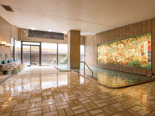 大浴場は、夜中に男女入替となります。趣が異なる二つの湯処で石和の名湯をお楽しみください。