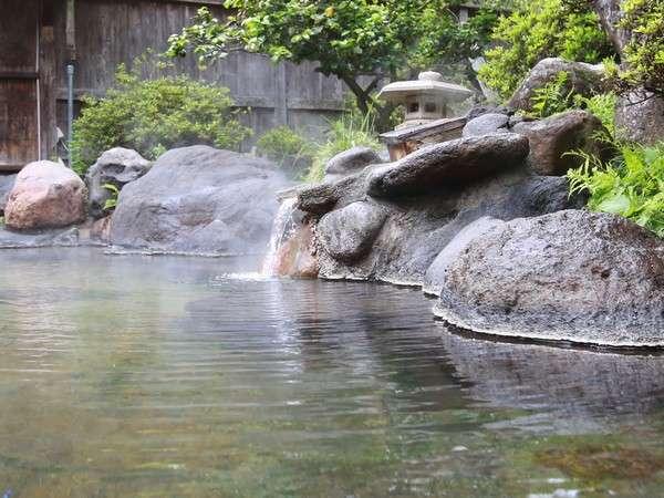 【温泉】当館は、硫黄泉の源泉掛け流しです。