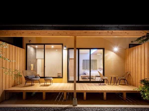 【新館】坪庭を望む内風呂付き和洋室 48㎡(定員2名)