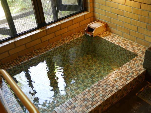 【Cタイプ】各部屋温泉を完備。新鮮な温泉を心ゆくまで、お楽しみください。