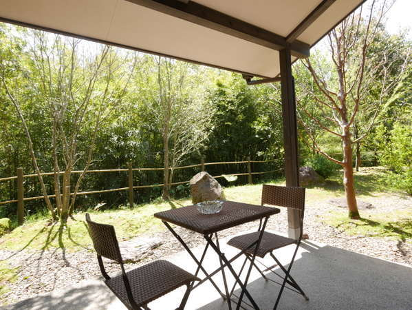 【TypeB】全客室にテラス完備。大自然に囲まれ澄んだ空気がとても心地よい場所です。