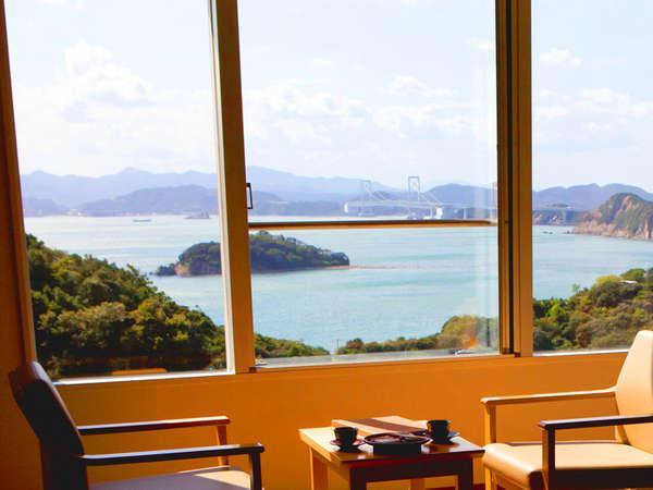 和室からの鳴門海峡の眺望