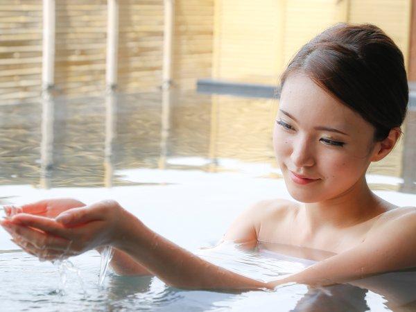 泉質はカルシウム塩化物泉で切傷・火傷・筋肉痛などに良いとされてます