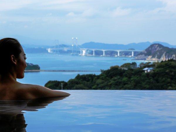 鳴門海峡を眺めながらゆったりとした時間をお過ごしください。