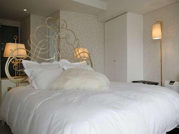 夢心地エヴァーホワイトのベッド