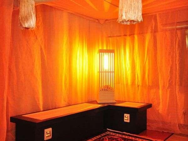 光とラドン浴のヒーリングルーム