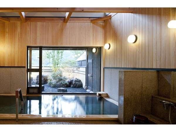 内湯・外湯には十和田石を使用