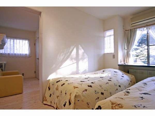 寝室とくつろぎルームが2間続きのお部屋(2名様用)