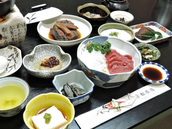 【高遠温泉 竹松旅館】創業100年以上を誇る、のどかな里山の宿×女将の手作り料理が自慢