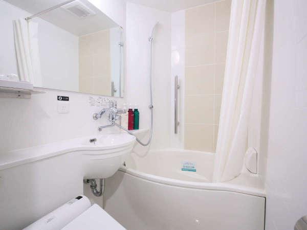 ■通常の浴槽より約20%の節水かつゆったり入浴できるアパホテルオリジナルユニットバス