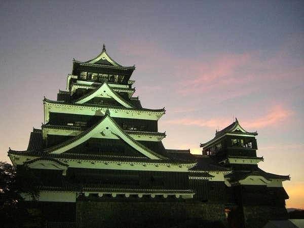 夕暮れの熊本城