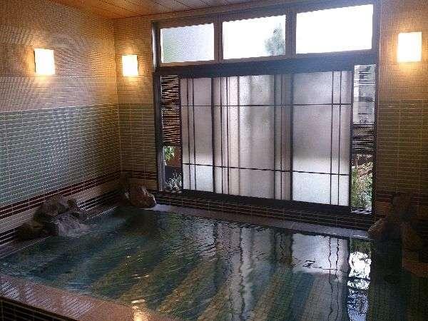 【男性】内風呂(天然温泉:湯温40~41℃)