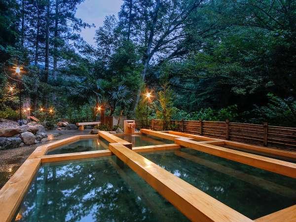【山中温泉 湯畑の宿 花つばき】森の中に佇む温泉宿で心の贅沢を。当館自慢の湯畑は抜群の開放感♪