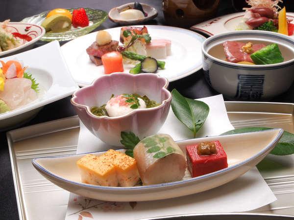 【お料理一例】旬の食材を使った料理長自慢のオリジナル会席料理