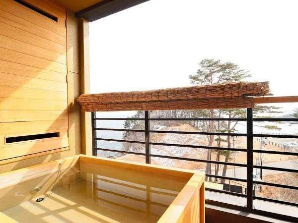 【次郎の庵・3階/16帖】 客室露天風呂からの眺め ※温泉ではありません