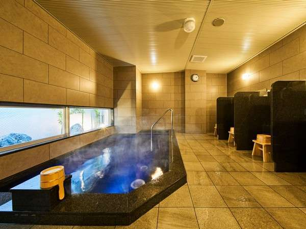 天然温泉「浮城の湯」(男湯)。男女別で15:00~翌朝9:30まで夜通しお入りいただけます♪