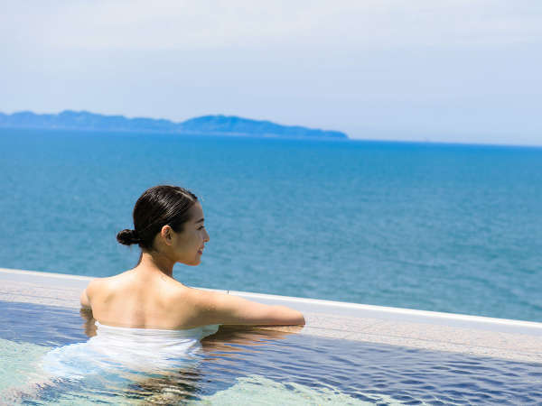 日本経済新聞「NIKKEIプラス1」の何でもランキング「絶景風呂 空も海も一つに」にて全国2位[2019/9/14付]