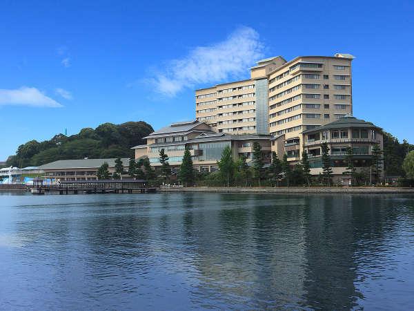【外観】浜名湖畔にたたずむ旅館「ホテル九重」