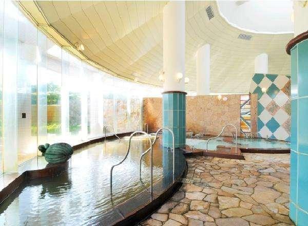 露天風呂やミストサウナ等、さまざまな種類の浴槽をお楽しみいただけます。