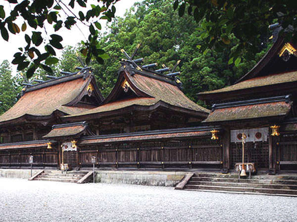 ●全国の「熊野神社」の総本山にあたる熊野本宮大社。
