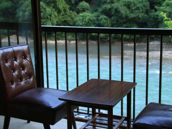 川に面したお部屋からは、せせらぎや自然、野鳥のさえずりなどお楽しみいただけます★