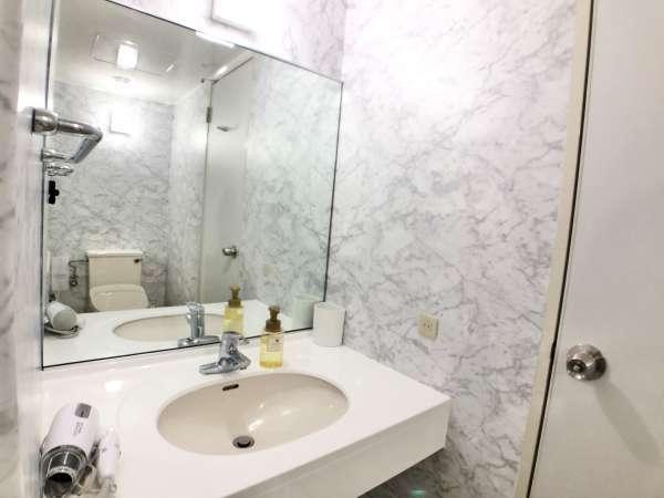 デラックスツイン_浴室バストイレ別で快適にお寛ぎいただけます。