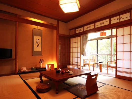 和室10畳+広縁 バストイレ付きのお部屋