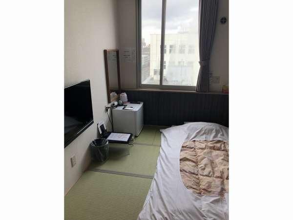 和室。全室壁掛けテレビがついているので、すっきりとした間取りです。