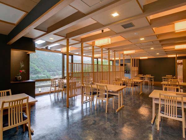 【レストラン山吹】奈良の特産品ほか、リーズナブルなランチを景色を見ながら楽しめます。