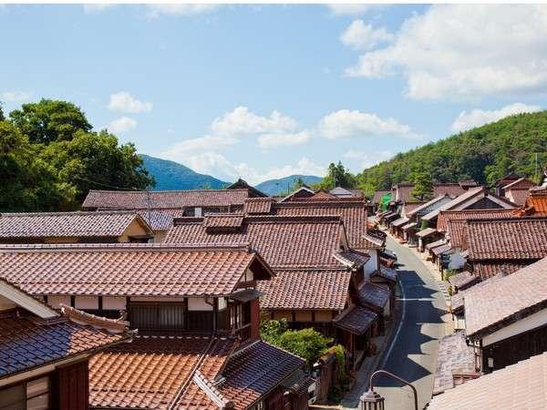 日本三大銅山として銅とベンガラで繁栄を極めた吹屋の町並み。国の「重要伝統的建造物群保存地区」です。