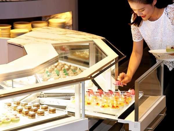 【カザ/1F】朝から充実のデザートが好評 ※イメージ