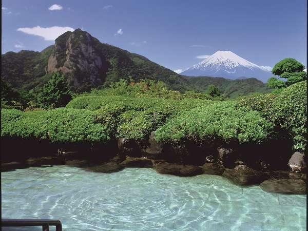 ◆露天風呂◆お天気が良ければ富士山と城山をご覧いただけます。