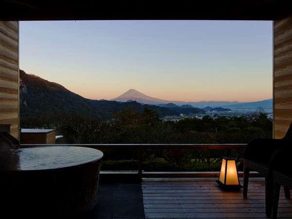 ◆露天風呂付客室◆プライベート空間で贅沢なひとときをお過ごしくださいませ。