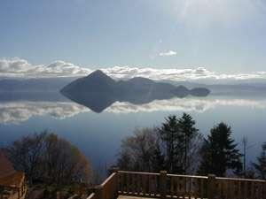 天気の良い日は幻想的な洞爺湖がお部屋から見ることが出来ます
