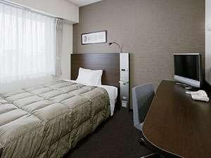 【シングルルーム】ダブルエコノミー。ベッドは140センチ幅でゆったり♪