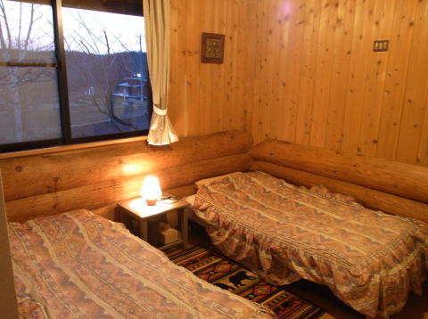 木の香り一杯で不思議と普段よりもよく眠れると評判の客室。