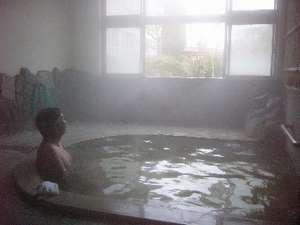 外は木枯らし...お風呂で湯ったり。冬ならではの湯治です。