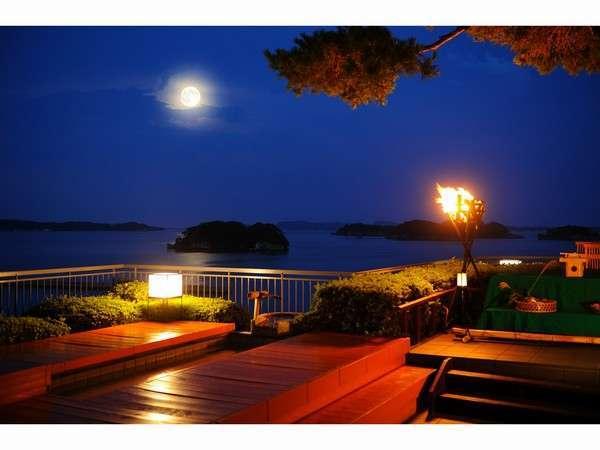 松島といえば「お月見」☆足湯のあるお月見台は当館人気のスポットです。
