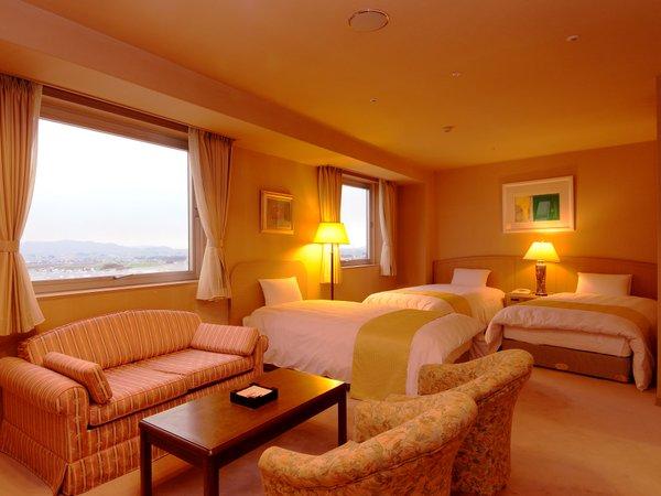 【洋室(例)】お友達やご家族と♪窓からは湖東平野と、天気の良い日は琵琶湖に沈む夕日を一望できます。