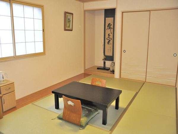 客室一例 / 広さ:十畳 /セパレートタイプバス・トイレ(ウォシュレット)付