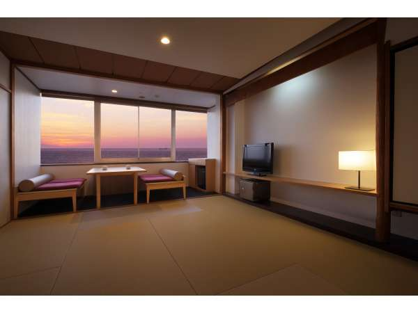 【夕日海岸 昇鶴(旧たてやま夕日海岸ホテル)】夕景と温泉と貸切風呂が楽しめる宿