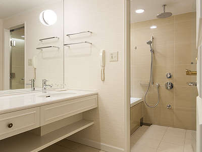 デラックスファミリールームの洗い場付お風呂