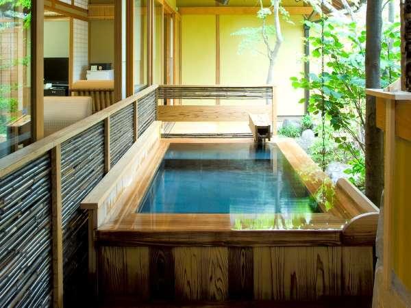 【露天風呂付】和室8畳+8畳+広縁の露天風呂