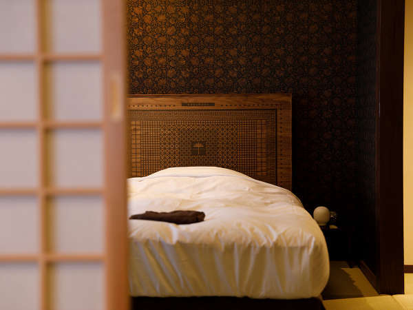 水戸岡氏デザインベッドで快適な眠りを。