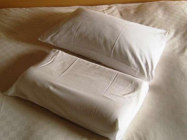 【全タイプ共通】快眠に大切なマクラ2種。「低反発マクラ」と「パンヤ(綿)マクラ」