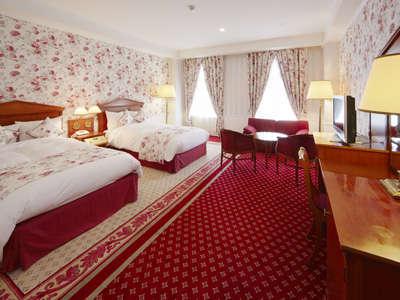 【デラックスデザイナールーム】2階・3階にあるヨーロッパ調の華やかな、広く使い勝手のよい客室です。