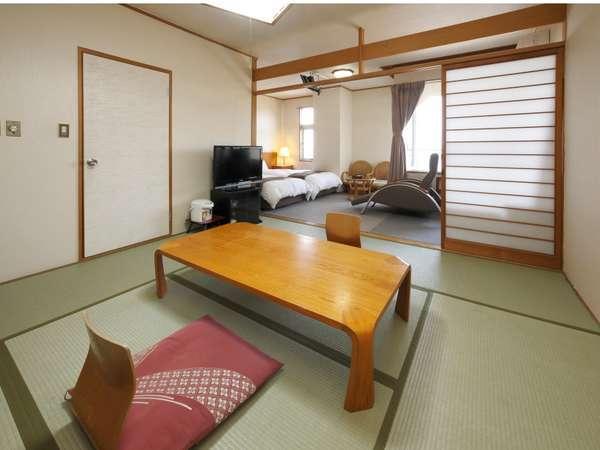 和洋室211号室、318号室(和室8畳、ベッド2台)