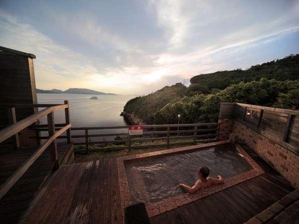 夕日を眺めながら入る露天風呂は最高です