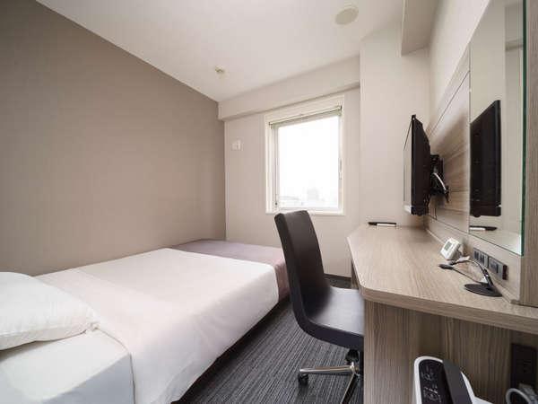 【ダブルルーム】眠りを追及した150cm幅のワイドベッドと快適な硬さのマットでぐっすり♪